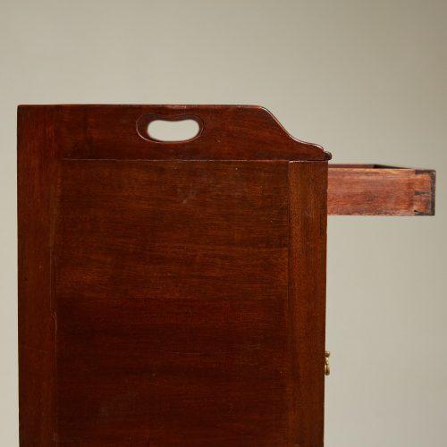 HL4875 – George III Mahogany Pot Cupboard-0014