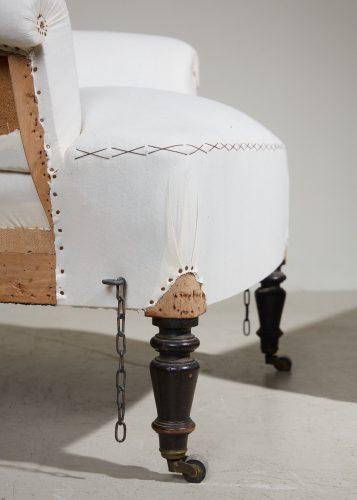 HL5000 – Armchair and Ottoman-0022