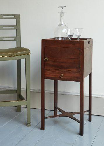 HL5216 – Bedside Cabinet-0001