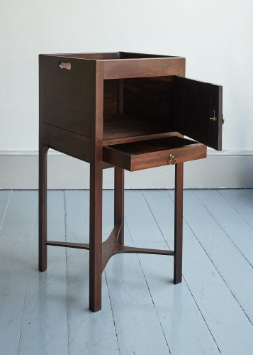 HL5216 – Bedside Cabinet-0007