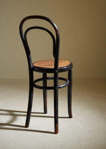 HL5251 – Thonet Style Chair-0004