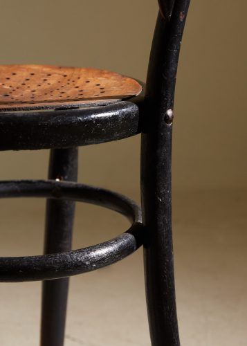 HL5251 – Thonet Style Chair-0011