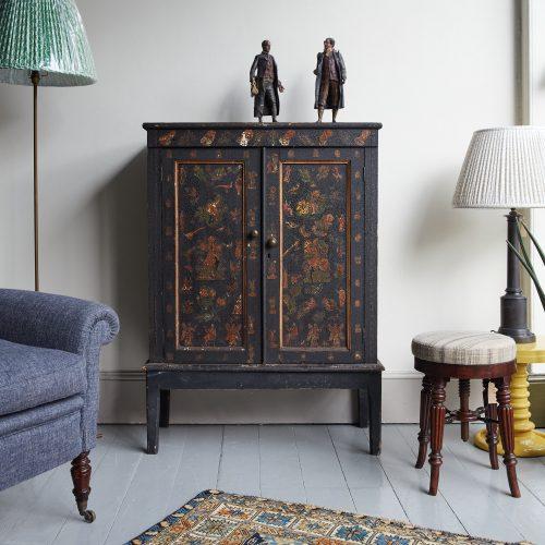 HL4780 – Victorian Decoupage Cabinet-0006