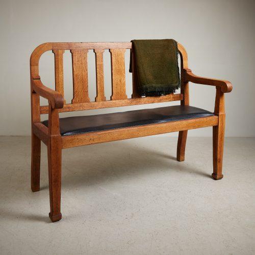 HL5018 – Oak Hall Bench-0002