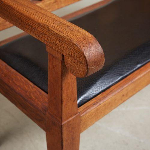 HL5018 – Oak Hall Bench-0008