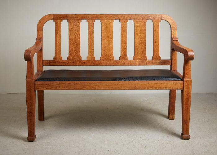 HL5018 – Oak Hall Bench-0012