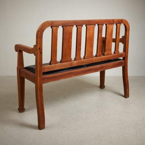 HL5018 – Oak Hall Bench-0019