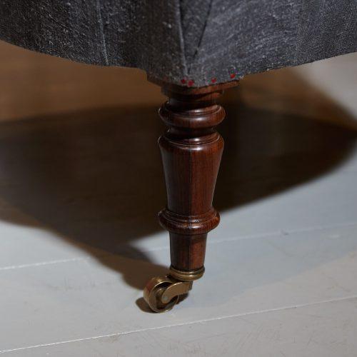 Hl4998 – Rose Wood Leg Armchair-0009
