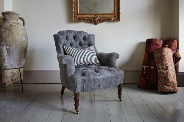 Hl4998 – Rose Wood Leg Armchair-0019