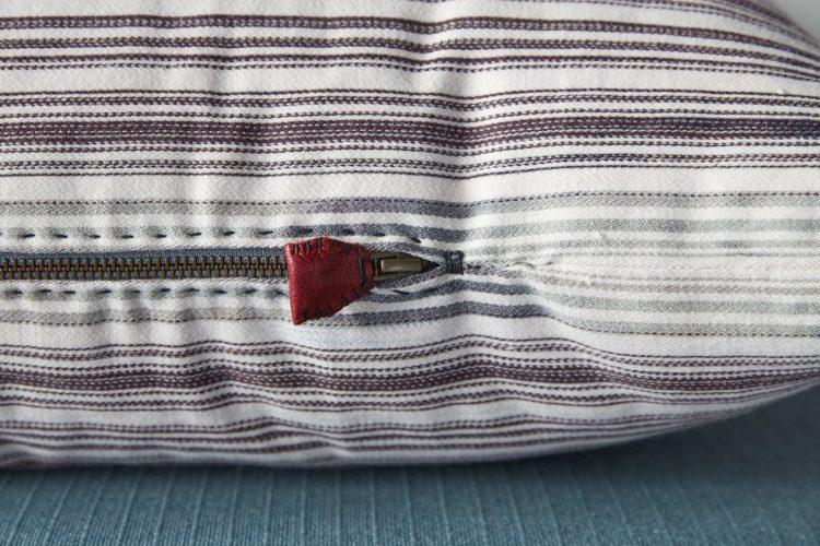 HB900413 – Ticking Pillow Stripe-0008