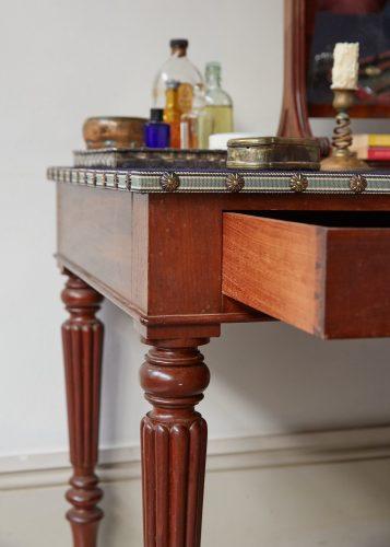 HL4907 – Mens Dressing Table-0005