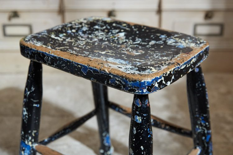 HL5389 – Pair of Painted Stools-0011
